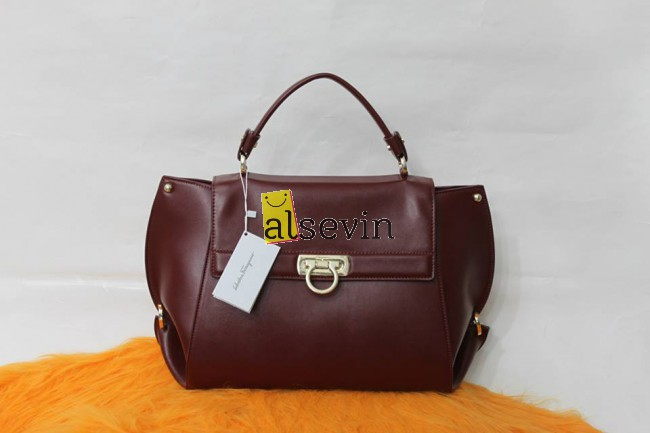 Сумки Salvatore Ferragamo в Москве, купить женские сумки